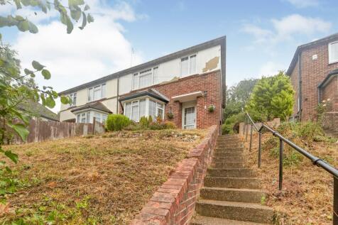 Roffey Close, Purley, Surrey, ., CR8. 3 bedroom semi-detached house