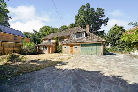 Pine Coombe, Shirley, Croydon, Surrey, CR0. 5 bedroom detached house