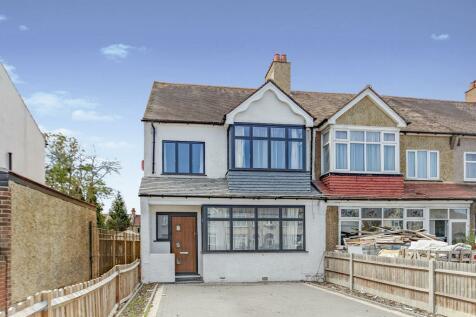 Shirley Road, Shirley, Croydon, Surrey, CR0. 3 bedroom end of terrace house