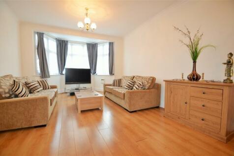 Broad Walk, Heston, TW5 9AA. 6 bedroom semi-detached house