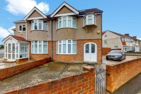 St. Stephens Close, Southall, Middlesex, UB1. 4 bedroom semi-detached house for sale