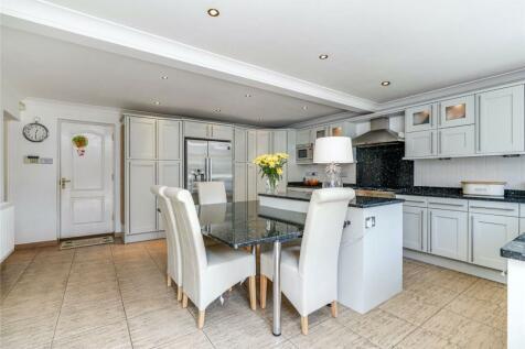 Old Esher Road, Hersham, Walton-on-Thames, Surrey, KT12. 5 bedroom detached house for sale