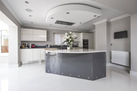 Westcar Lane, Hersham, Walton-On-Thames, Surrey, KT12. 5 bedroom detached house for sale