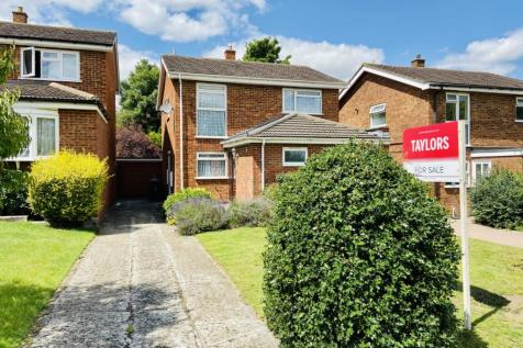 Meadowbank, Hitchin, Herts, England, SG4. 4 bedroom detached house