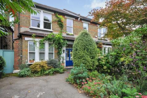 Lennard Road, Beckenham, Kent, England, SE20. 5 bedroom semi-detached house for sale