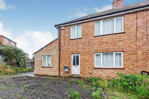 Ross Gardens, Rough Common, Canterbury, Kent, CT2. 6 bedroom semi-detached house