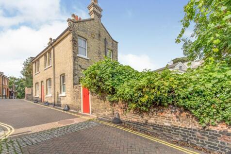 Love Lane, Rochester, Kent, Uk, ME1. 2 bedroom detached house