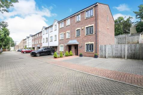 Buckley Close, Forest Hill, London, ., SE23. 3 bedroom end of terrace house for sale
