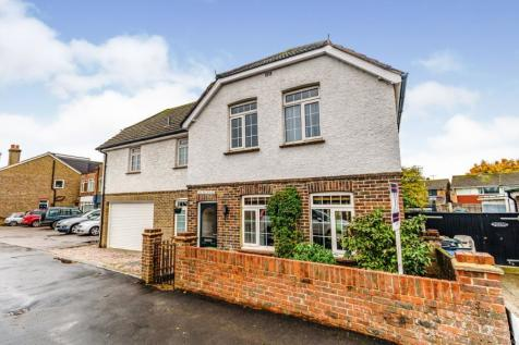Horley Road, Redhill, Surrey, RH1. 6 bedroom detached house for sale