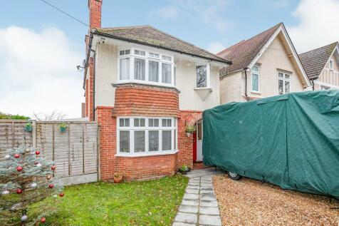 Brambletye Park Road, Redhill, Surrey, United Kingdom, RH1. 4 bedroom detached house for sale