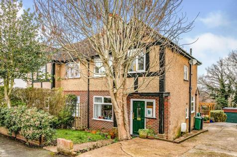 Hillfield Close, Redhill, Surrey, United Kingdom, RH1. 3 bedroom semi-detached house for sale