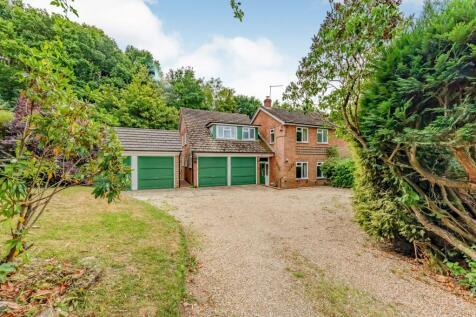 Heath Lane, Ewshot, Farnham, Hampshire, GU10. 5 bedroom detached house for sale