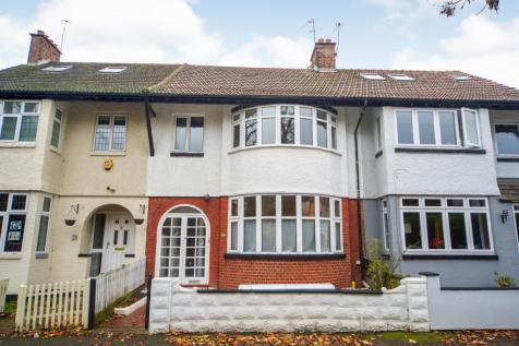 Woodside Park Avenue, Walthamstow, Waltham Forest, London, E17. 4 bedroom terraced house for sale