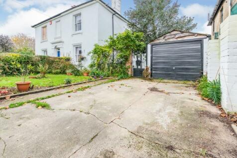 Park Road, Alverstoke, Gosport, Hampshire, PO12. 3 bedroom semi-detached house for sale