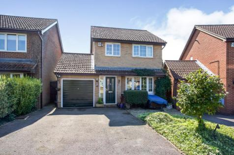 Pennycress, Locks Heath, Southampton, Hampshire, SO31. 3 bedroom detached house