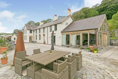 Llangernyw, Abergele, Conwy, North Wales, LL22. 5 bedroom detached house