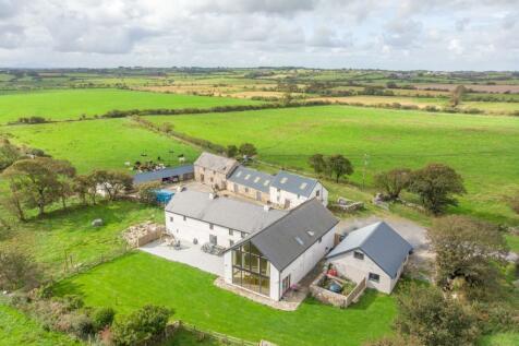 Coed Anna, Anglesey, Sir Ynys Mon, LL71. 6 bedroom barn conversion