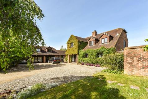 Church Lane, Pilley, Lymington, Hampshire, SO41. 5 bedroom detached house for sale