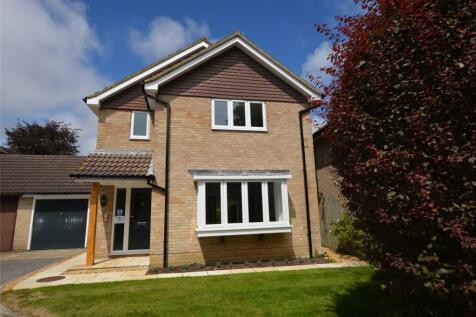 Curzon Place, Pennington, Lymington, Hampshire, SO41. 3 bedroom detached house