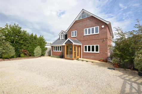 Ramley Road, Lymington, Hampshire, SO41. 4 bedroom detached house for sale