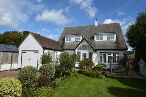 North Street, Pennington, Lymington, Hampshire, SO41. 4 bedroom detached house