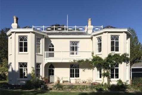 Kings Saltern Road, Lymington, Hampshire, SO41. 6 bedroom detached house for sale