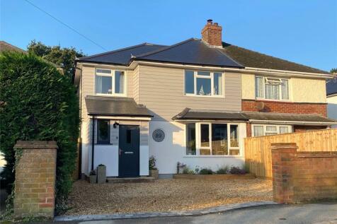 Queen Katherine Road, Lymington, Hampshire, SO41. 4 bedroom semi-detached house for sale