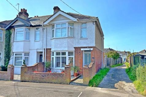 Downs Park Road, Eling, Southampton, Hampshire, SO40. 3 bedroom end of terrace house for sale