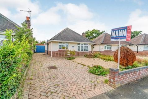 Northlands Road, Totton, Southampton, Hampshire, SO40. 2 bedroom bungalow for sale