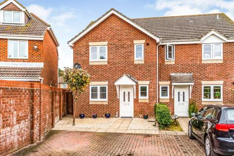 Russell Place, Totton, Southampton, Hampshire, SO40. 3 bedroom semi-detached house for sale