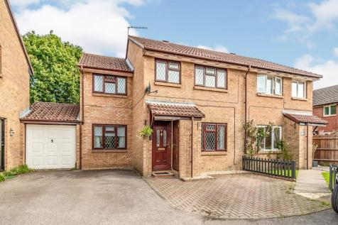 Dickens Dell, West Totton, Southampton, Hampshire, SO40. 4 bedroom semi-detached house for sale