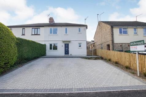 Second Avenue, Dursley, Gloucestershire, Na, GL11. 3 bedroom semi-detached house for sale
