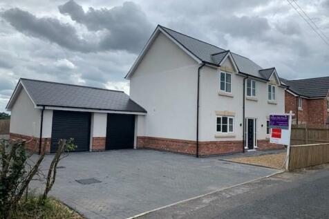 Stoneley Road, Crewe, CW1. 4 bedroom detached house