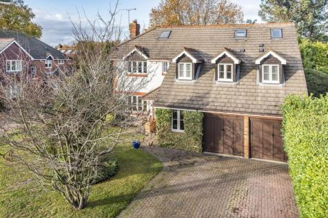 Hazelbank, Finchampstead, Berkshire, RG40 4XD. 6 bedroom detached house for sale