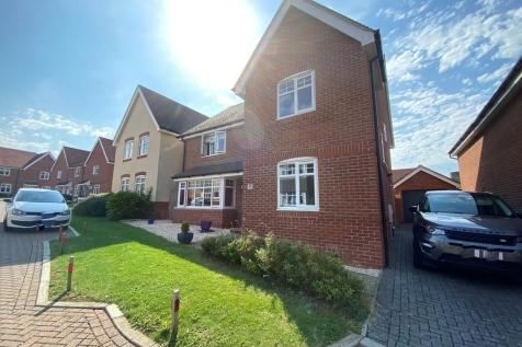 Lowton Gardens, Waterlooville. 5 bedroom detached house