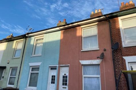 Bedford Street, Gosport. 2 bedroom terraced house