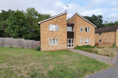 Estcots Drive, East Grinstead, West Sussex, RH19. Studio apartment