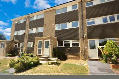 Ivel Road, Stevenage. 3 bedroom maisonette