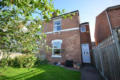 Sandys Road, Barbourne, WR1. 4 bedroom semi-detached house