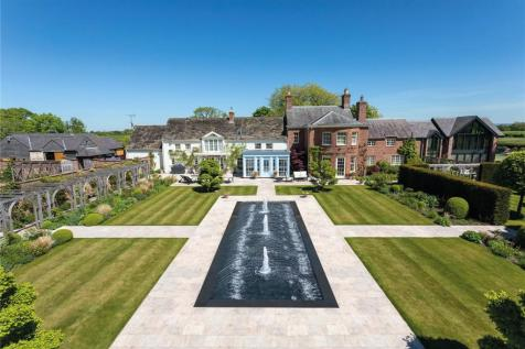 Ash Lane, Ollerton, Knutsford, Cheshire, WA16. 5 bedroom detached house
