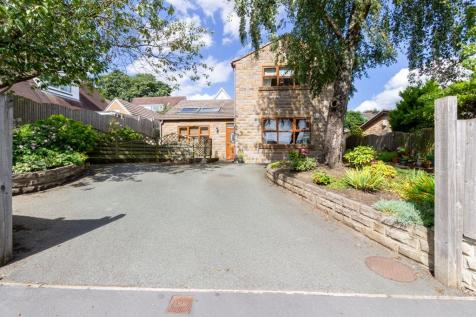 Central Park, Halifax HX1 2BT. 4 bedroom detached house for sale