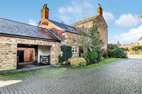 Farm Lodge, Stapleford Road, Whissendine LE15 7HF. 5 bedroom farm house for sale