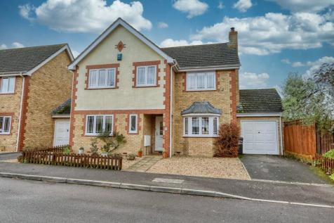 Harp Chase, Taunton TA1 3RY. 4 bedroom detached house for sale