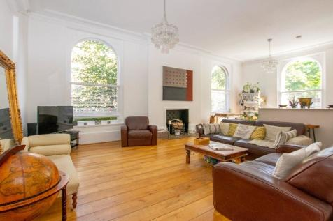 Carisbrooke House, 149 Upper Tulse Hill, Brixton SW2 2RD. 2 bedroom apartment for sale