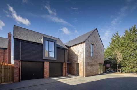 Channels Drive, Chelmsford, CM3 3FU. 5 bedroom detached house for sale