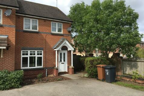 Thomas Chapman Grove, Northampton, Northamptonshire, NN4. 3 bedroom semi-detached house