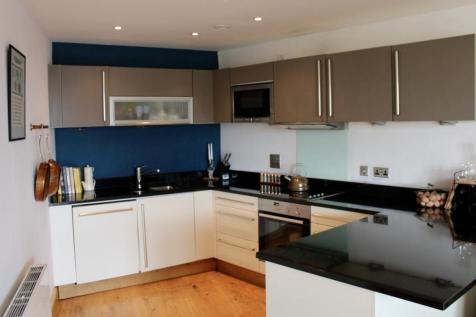 Wharf Approach, Leeds, LS1. 2 bedroom flat for sale