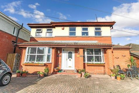 Meadow Close, Wakefield, WF1. 4 bedroom detached house for sale