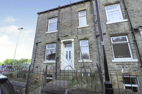 Moorlands View, Halifax, HX1. 2 bedroom end of terrace house for sale