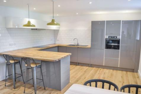 Flat 8 Moose Hall Apartments, Spinning Path, Exeter. 2 bedroom flat